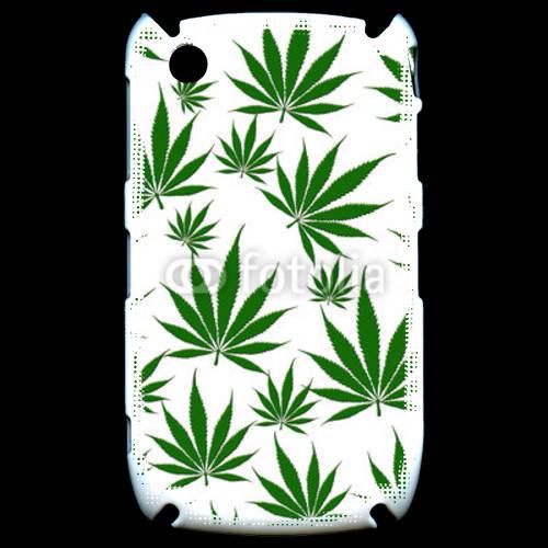 Coque Black Berry 8520 Cannabis en folie sur fond blanc